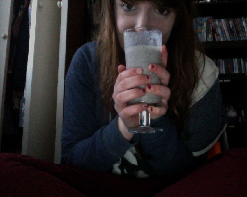 Just made a yummy smoothie!! - 1 Banana - about 1 handful of blueberries - 3 tablespoons of yogurt - a splash of milk