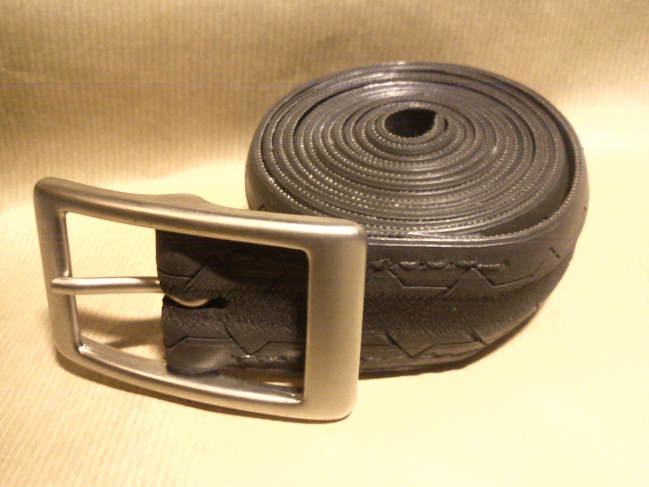 Spare Tyre Belt- Black and Grey Racer.
