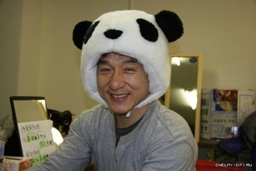 the-next-emperor:  Jackie Chan's cute side.