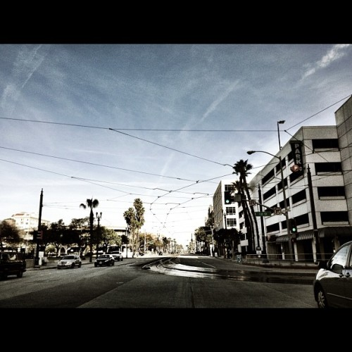 Sunroof Series: Overhead Wires. #longbeach #lb #popularpage #iphone4s  #black  #editoftheday #white #instagramers #instagram #iphonography  #iphone #iphoneonly #instagood #iphone4 #instagramhub #picoftheday #downtowm #california #train #sky #fashionfilter #ig #igers      (Taken with instagram)