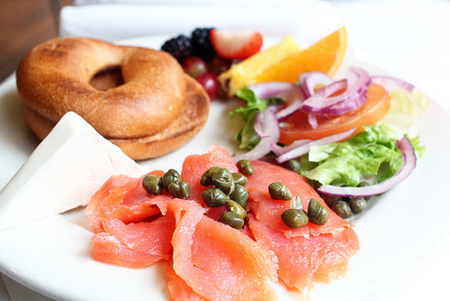 yum! lox bagels! Mah fav!