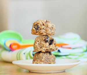 findvegan:  Cookies for breakfast?     COOKIES!!! FOR BREAKFAST!!!