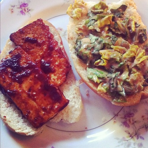 BBQ tofu on an onion roll. #vegan #tofu (Taken with instagram)