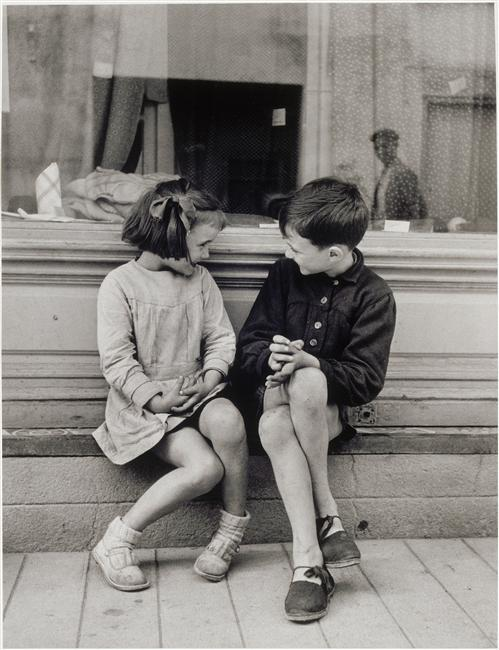 pureblyss:   Brassaï Paulette et André, 1949  This is so precious. The look, the shoes, the body language. I love it.