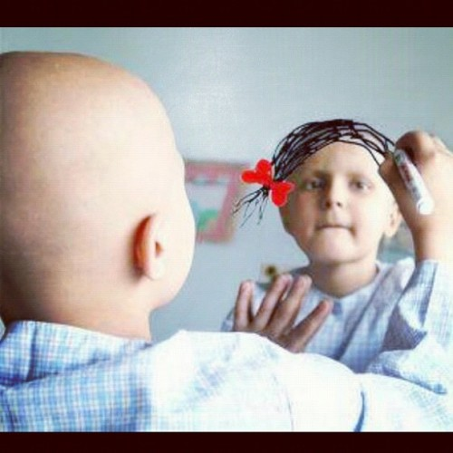 Cancer should not exist. #100likes if you agree. #cancer #exist #beautiful #girl #drawing #pretty #girl #hospital #miror  (Taken with instagram)
