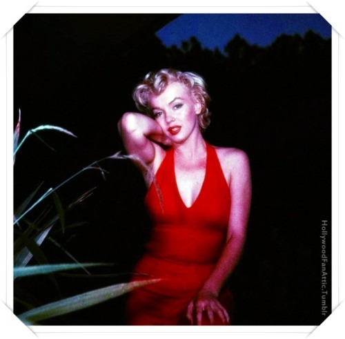 Marilyn in red.