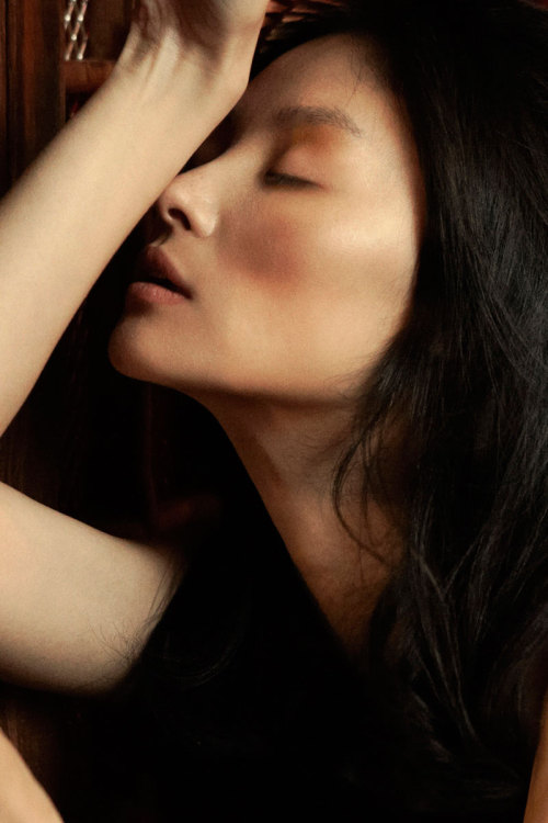 imawoman:  (via Miao Bin Si by Kathrin Mueller-Heffter for Fashion Gone Rogue)