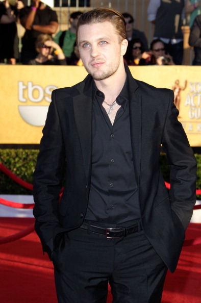 bohemea:  Michael Pitt - 2012 SAG Awards He's so beautiful! All in black. Pale eyes staring off in the distance, pursed lips begging for a kiss fight. Time to go curl up in a ball of sadness & have a quick cry.   He's all in black, like he's mourning his own demise… God, that's so beautifully tragic.  LET'S ALL GET MATCHING HEDWIG TATTOOS!!