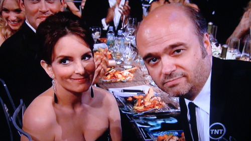 danceyrselfclean:  Umm Scott Adsit totally pulling a FEY on Tina Fey and uhh yeah the actor goes to Betty White.  #FemaleActorInAComedySeries #SAGAwards
