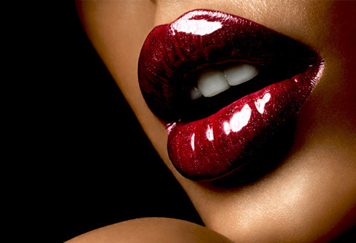 luxuriousdesire:  love this picture ♥  These are gorgeous lips just waiting for that one passionate kiss eluding her