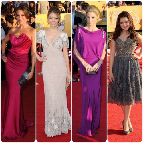 Modern Family Gals #sagawards #eredcarpet #sag #fashion @ModernFam #modernfamily #redcarpet #sofiavergara in #marchesa #SarahHyland in #Temperley #JulieBowen in #Temperley and #ArielWhite in #ColletteDinnigan (Taken with instagram)