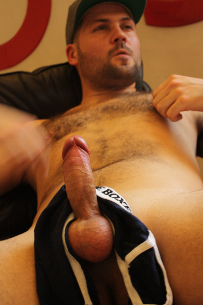 Shooting his load after nippleplay