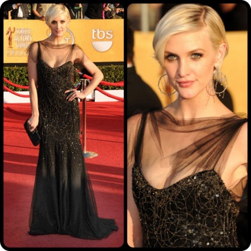 @AshleeSimpson looking amazing in @TheJennyPackham #sagawards #eredcarpet #sag #fashion #redcarpet #ashleesimpson #jennypackham  (Taken with instagram)