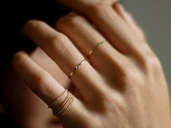 lylaandblu:  Gabriela Artigas Mini Diamond ring