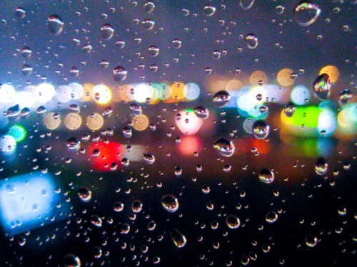 (via Raindrops & Bokeh Lights)