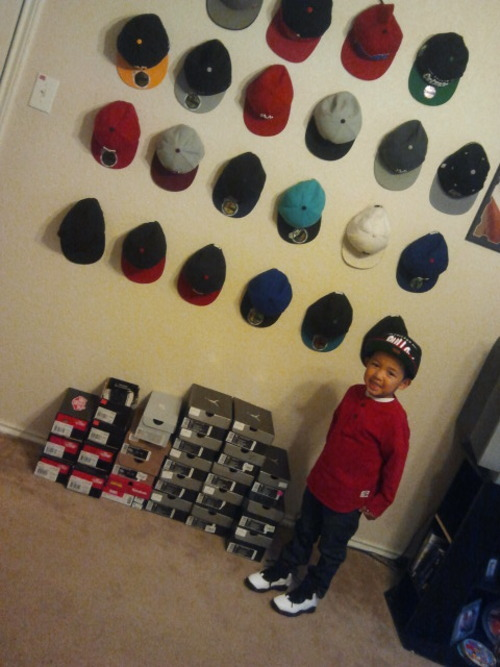 mskimmi:  Nahhh my son doesn't have an addiction at allllll! ;)
