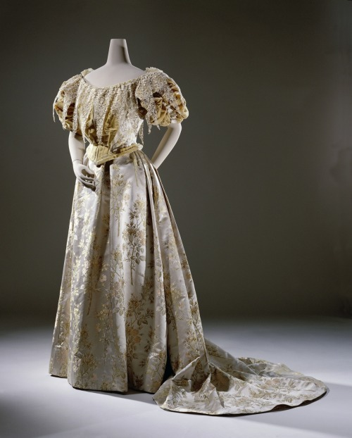 Evening dress ca. 1894-95 From the Rijksmuseum