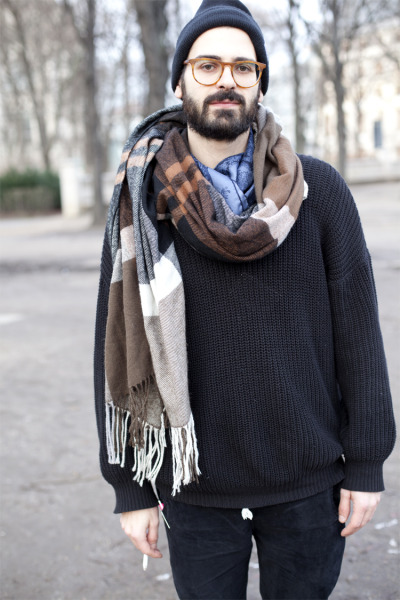 urbanemenswear:  Pile on the scarves.