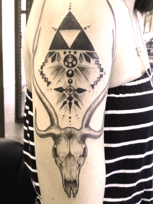 "fuckyeahtattoos:  The deer skull represents me, because my spirit animal is a deer. The triforce is to resemble my childhood, which I grew up with playing Zelda.  Each shape resmebles a very important person in my life: Diamonds for my mother whom loves diamonds and expensive items. Lines are for my father for his straight forward attitude and his consistency in my life. Circles are for my brother, he passed away 2 years ago. He was so important in my life, and also the circle stands for ""the Circle of Life""Squares resemble my best friend Sara, whom I have known almost my whole life. Done by Kenny Knox at 805 Ink in SB, CA. http://catatoniclust.tumblr.com/"
