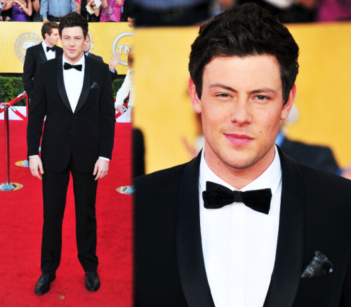 prettylittlegossipgleek:  Cory Monteith arrives at the 18th Annual SAG Awards (Jan. 29)