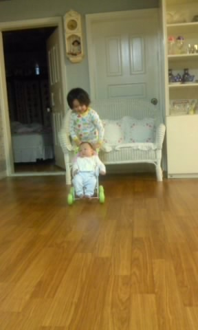 "120130 Leo's Twitter Update [TRANS] ""Leo hyung~ Let's Go~"" enzo ride the stroller toy carefully~ and Leo pushing it~ come on, enzo really small~ http://twitpic.com/8di3j6"