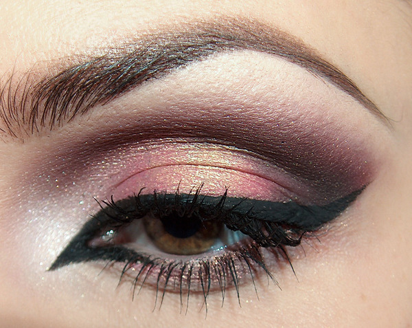 beautylish:  Enhance your eye shape with a sharp cat eye like Beautylish Beauty Joanna F.!