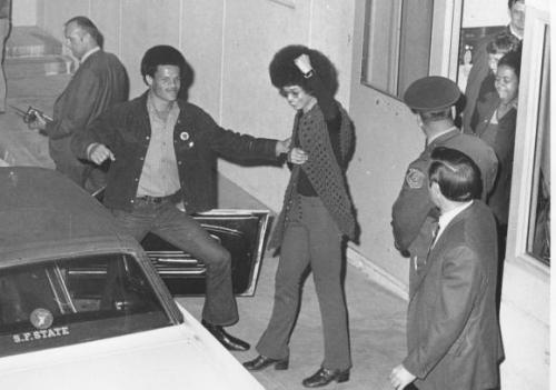 thefreedomblues:  Angela Davis gives the emerges from jail, free on bail after 16 months of imprisonment. Her time spent as a prisoner was highly influential on her thoughts and writings on the prison-industrial complex.
