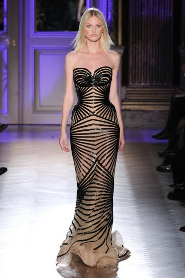 This dress is a show-stopper and a jaw-dropper. Yowza! Zuhair Murad.