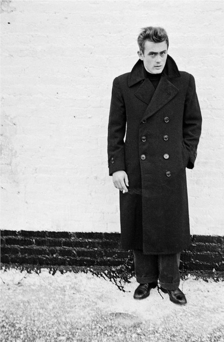 parkandbond:  James Dean makes a case for the officer's coat like only James Dean can.