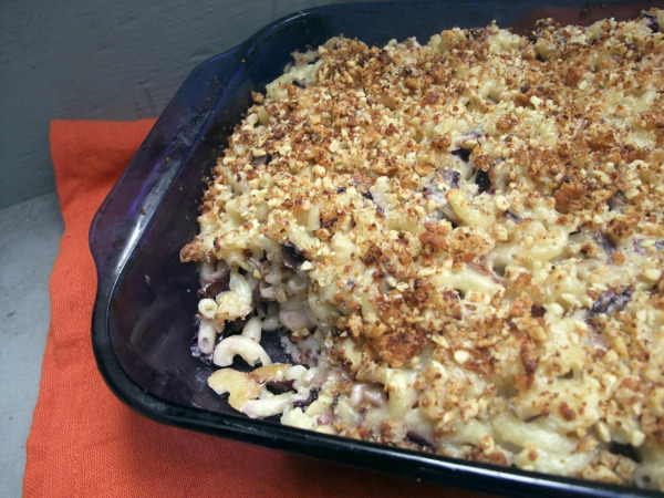 Radicchio Mac with Walnut Crust (via 30 Days 30 Ways with Macaroni & Cheese and @cookingwithamy)