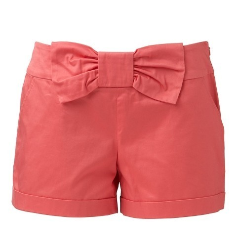 lovinglifeandlilly:  LOVE. Nantucket Red + Bow? YES PLEASE!