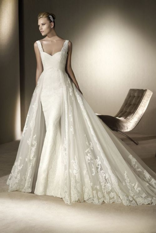 whitedream:  By San Patrick Follow my tumblr for more beautiful wedding dresses (: