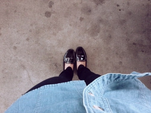 menswear monday (thrifted geoffery beene denim button down, bdg jeggings via urban outfitters, thrifted patent leather loafers)