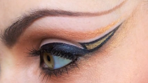 Watch Beautylish Beauty Siobhan M.'s makeup tutorial to get this dramatic eye look!