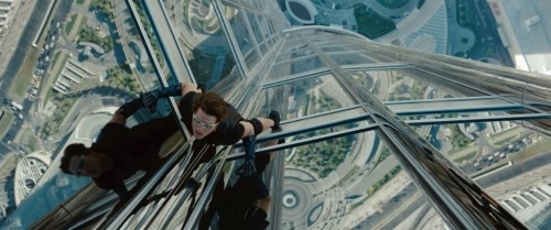 5. Mission Impossible: Ghost Protocol. Es Tom Cruise haciendo acción. Y es Brad Bird (director de 'The Incredibles') dirigiendo acción. No puede sino convertirse en la mejor interacción de la saga.