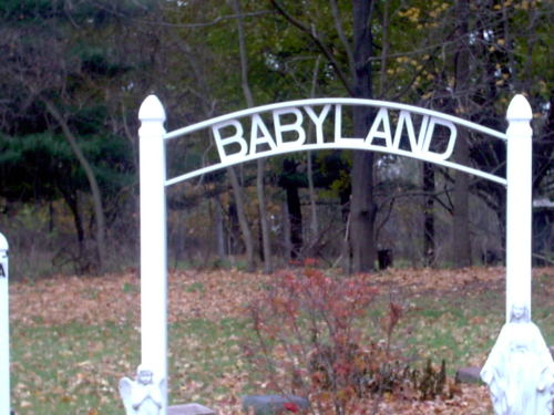 bonerdonor:  lilifer:  take me there  Take me 2 tha babyland