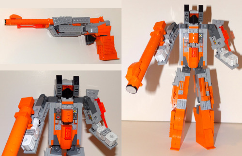 Plasmashock! Transforms from NES Zapper pistol, to robot and back! Plasmashock is gallant fighter from the Nintendobots faction, battling the evil forces of the Segacons! These are the preliminary photos taken of my latest creation; later this week, I'll re-shoot this robot with my professional makeshift light rigging for better image quality.