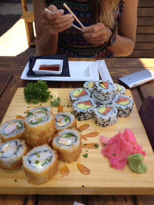 slutsneverdie:  always reblog because my love for sushi is unexplainable.  Just had sushi today :)