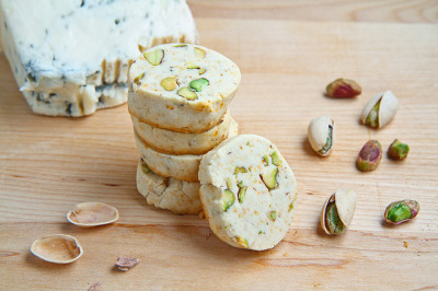 Gorgonzola and Pistachio Shortbread by Kevin - Closet Cooking on Flickr.