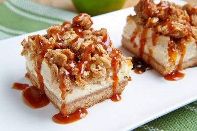 Caramel Apple Cheesecake Bars by Kevin - Closet Cooking on Flickr.