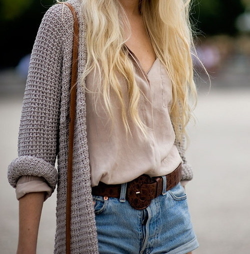 swim-mermaid-swim:  http://swim-mermaid-swim.tumblr.com/ boho blog that follows back, dont believe me, follow and watch you gain a follower :D