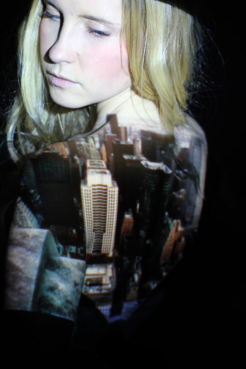 Image projected onto model.