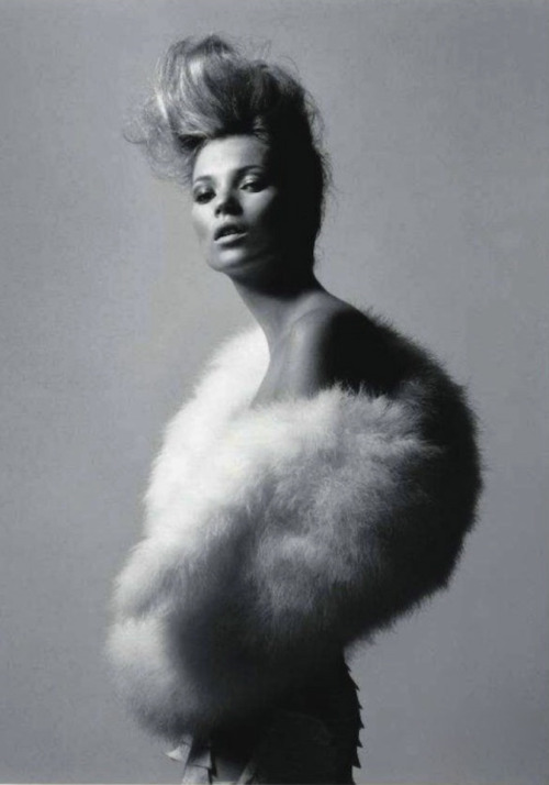 Kate Moss-Paris Vogue Cover Shoot