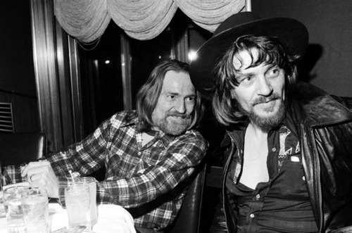 aquariumdrunkard:  willie / waylon  Autoreblog.
