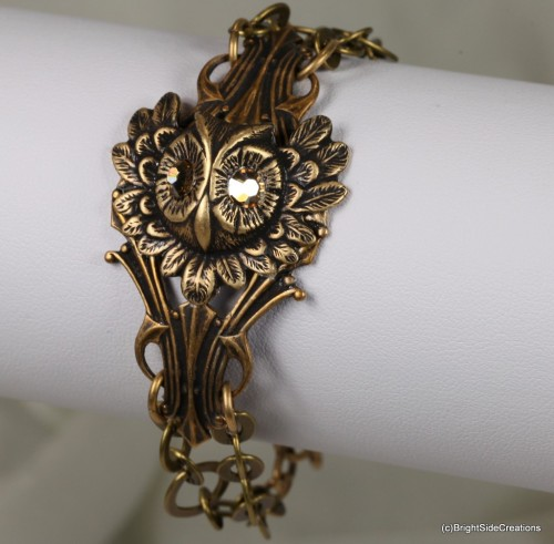 Wise owl bracelet in antique brass.