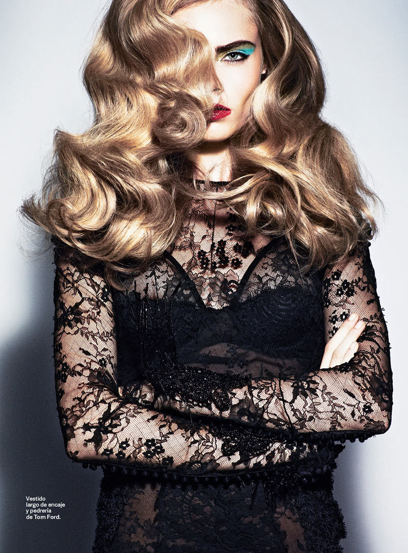 holy mama, that HAIR. and the lace. (cc: @abeale10) hollystair:  hair!!!!!!!