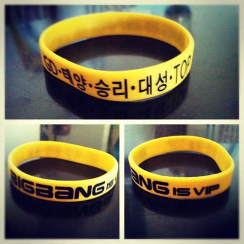 kiwi923:  #bigbang #jellyband I got from @thegoofygoth ^^ Thank you!!~ <3 #kpoptown #kpop #YG #daesung #seungri #t.o.p. #gdragon #taeyang #v.i.p. (Taken with instagram)