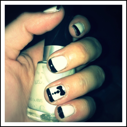 Tuxedo Nails  Base color // Revlon // Powder Puff Accents // Sally Hansen // Black Heart
