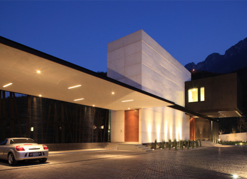 designed by  GLR Arquitectos,