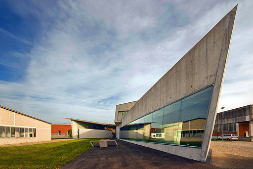 architekturdesign:  Vitra Fire Station (by Wojtek Gurak)